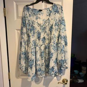 Torrid size 4 blouse